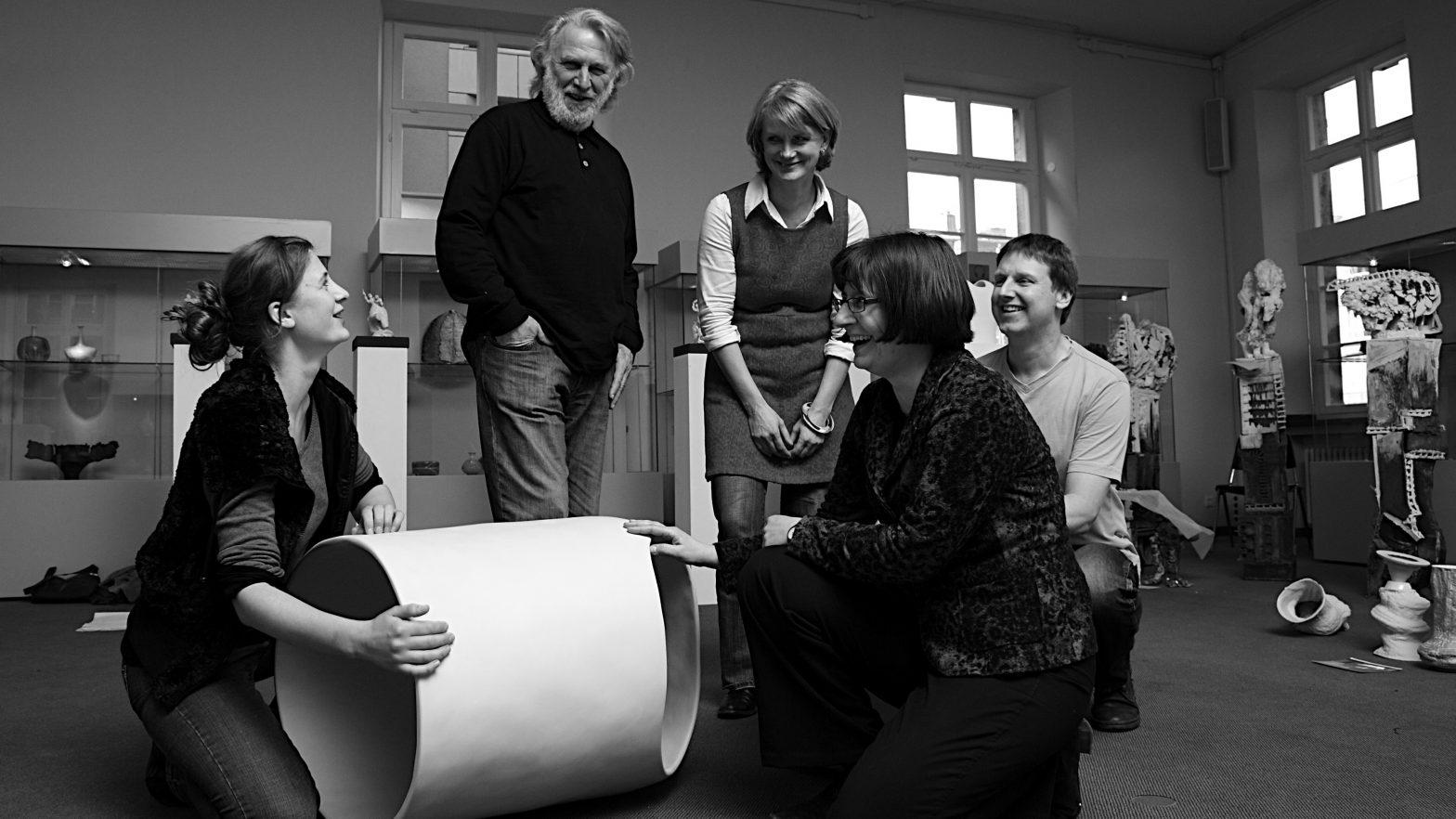 Die Jurymitglieder des Richard-Bampi-Preises 2010 im Hetjens-Museum Düsseldorf.
